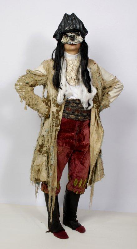 Halloween Kostüm mit Maske