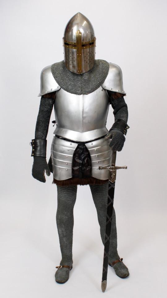 Ritter mit Helm (verschiedene Helmvarianten)