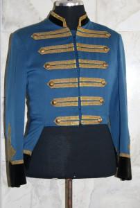 Uniform_mit_Samtkragen.jpg